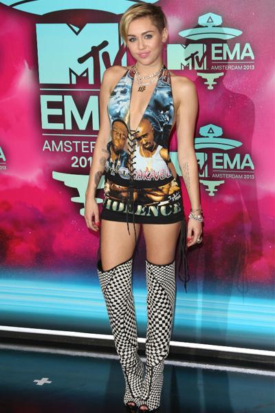 11Nov2013-Miley-Cyrus