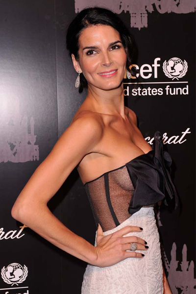 5Dec2013-Angie-Harmon-2