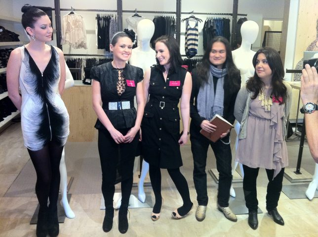 Bloggers-Holts