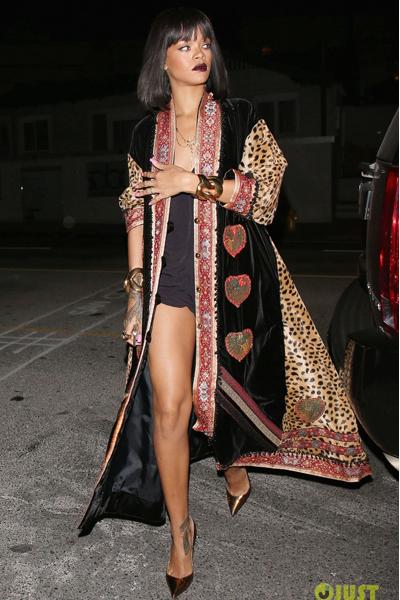 18Fev14-Rihanna