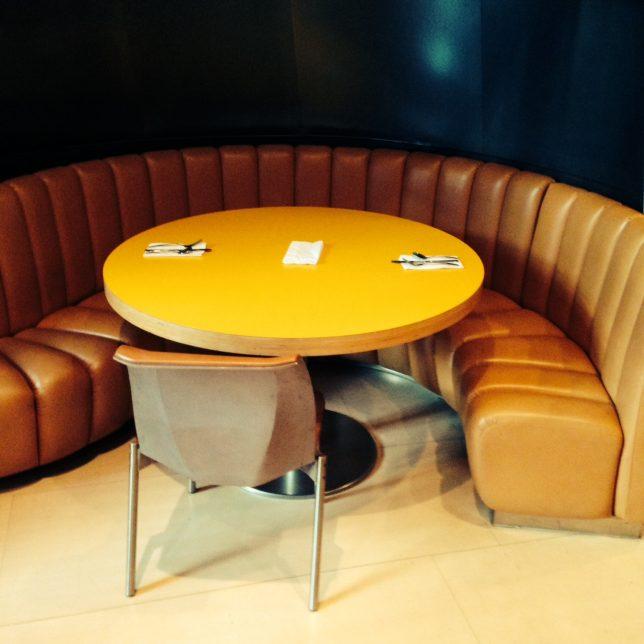 AnnaWintour-table