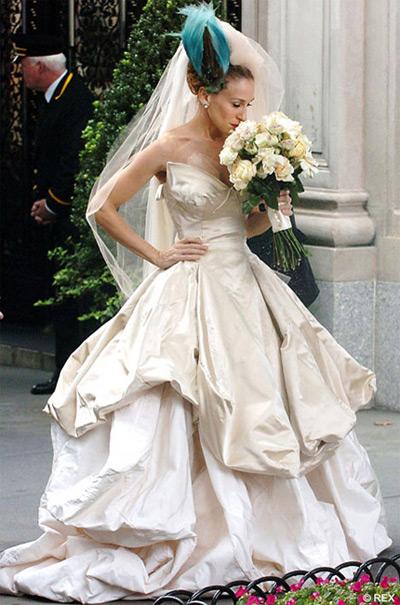 carrie-bradshaw-wedding-dress-new-line-cinema