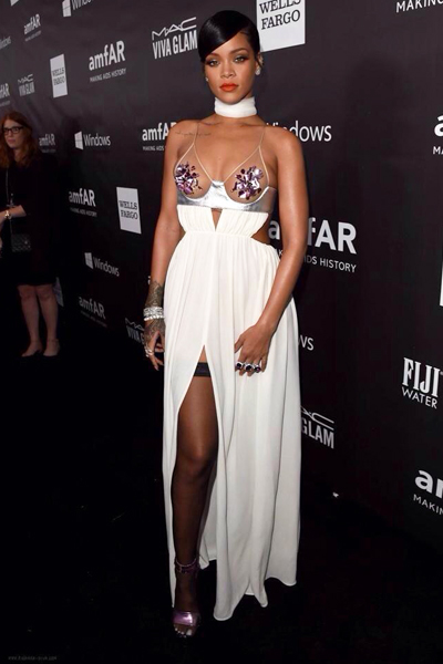 30oct14-Rihanna
