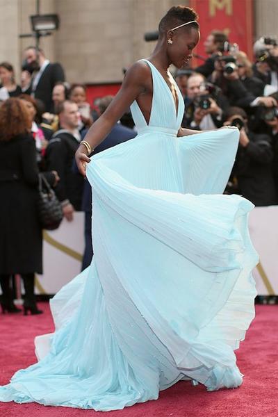 LupitaNyongo-Oscars2014