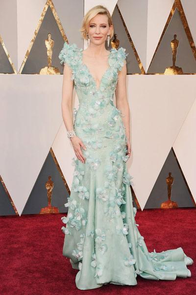 Oscars2016-bestdressed-cateblanchett