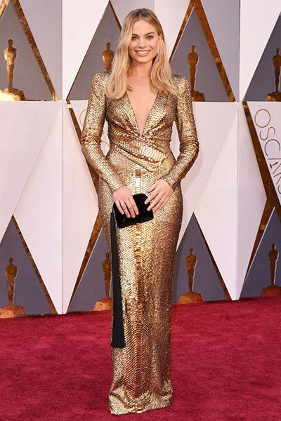 Oscars2016-besttgold-margotrobbie
