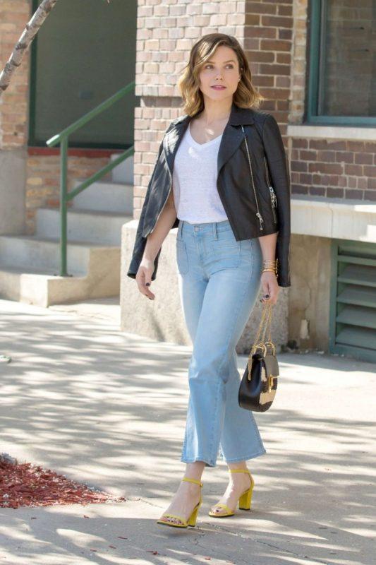 Sophia-Bush-in-Jeans--02-662x993